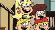 S03E17 Lola, Lana, Lynn and Leni singing Play It Loud