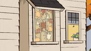 S3E21 Food on the windows