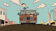 S03E17 Luna on top of van