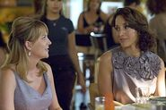 LW S06E04 Bette and Tina 01