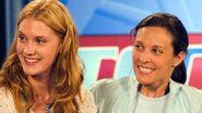 LW S03E04 Dana and Lara 01