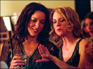 LW S01E01 Bette and Tina 01