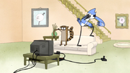 S6E19.024 Mordecai and Rigby Sees the Game Ending