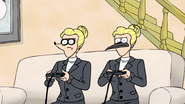 S2E11.147 Susan Mordecai and Susan Rigby Playing Video Games 02
