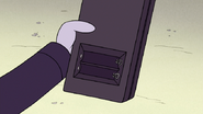 S5E34.116 No Batteries in the Walkie Talkie