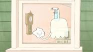 S4E07.012 6 O' Clock on the Clock Inside the House