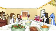 S05E12 Thanksgiving dinner