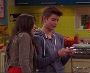 Max Texting Like Phoebe.jpg
