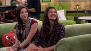 Haunted Thundermans - Phoebe and Taylor on Couch