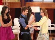 The-Thundermans-Going-Wonkers-02-300x219