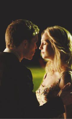 Klaus e Caroline