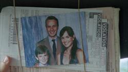 Rick junto a Carl y Lori en una fotografía familiar.