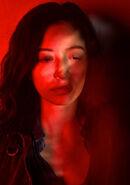 The-walking-dead-season-7-rosita-serratos-red-portrait-658