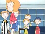 200px-Makeover (The Weekenders) (6)