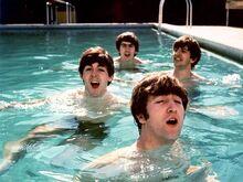 1964-02-14-beatles-miami 01-580x435.jpg