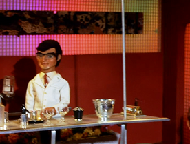 Cocktail Waiter (Fireflash) 3.png