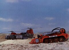 US Army Helicopter And Recovery Vehicle 1