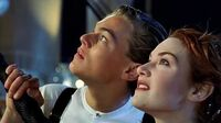 Titanic_-_Deleted_Scene_-_Shooting_Star_HD_1st-Class_Promenade,_Boat_Deck,_Saturday_April_13th,_1912_after_10_00pm