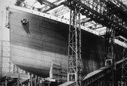 Titanic-bow-construction