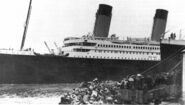 Titanic-leaving-Ocean-Dock