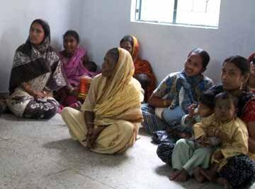 Kolkata-mums-watching-dvd.jpg