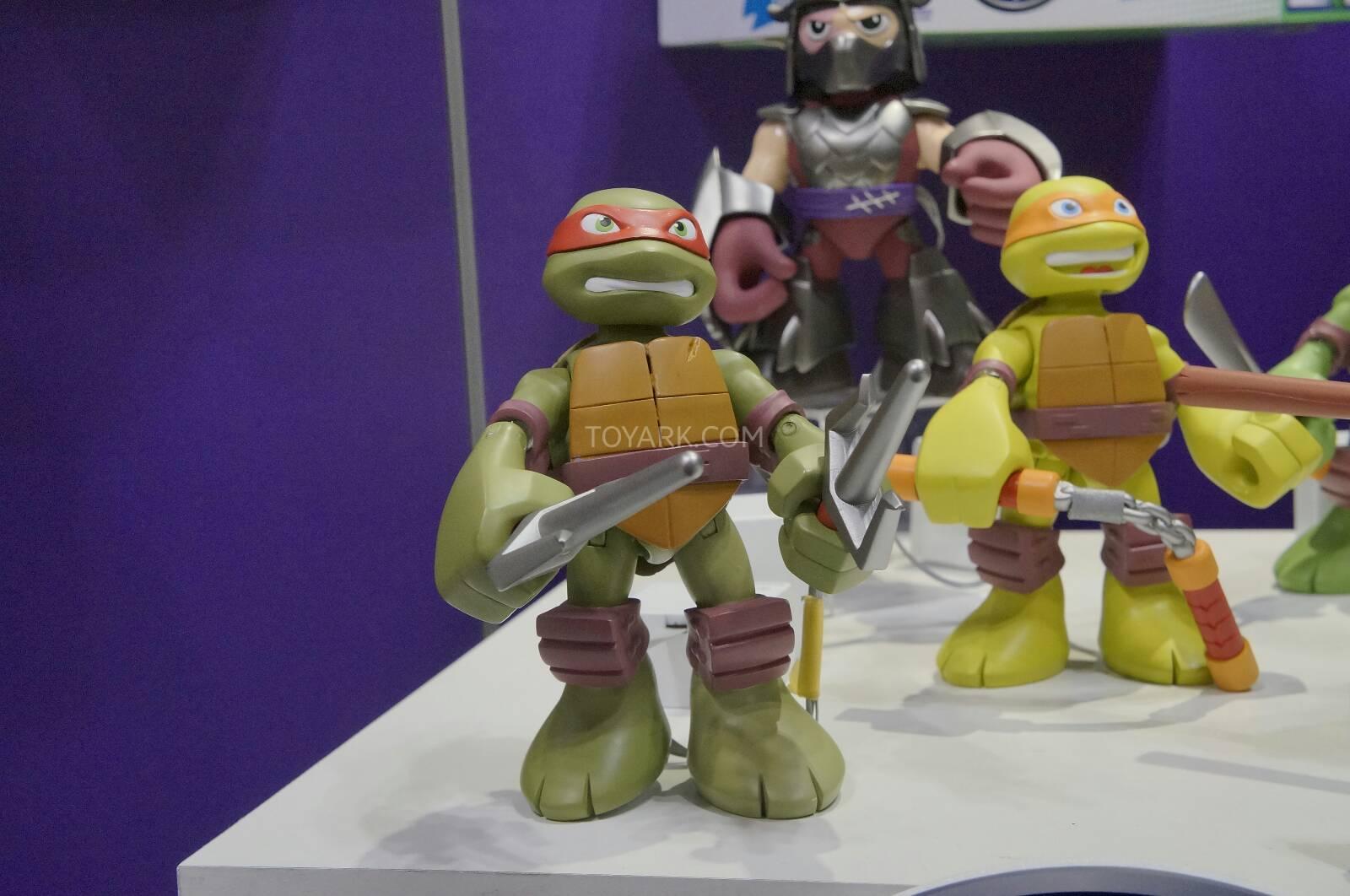 Half-Shell Heroes Mega Mutant Michelangelo (2014 action figure)
