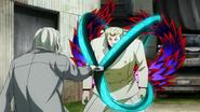 Yamori using his kagune to block Kureo's quinque