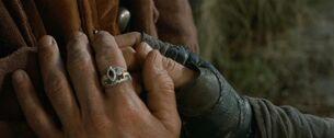 Ring of Barahir LotR 2001.jpeg