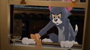 Tom-jerry-trailer-features-the-cat-and-mouse-battling-in-a-fancy-new-york-city-hotel-social