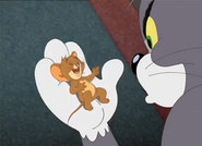 Tom and Jerry The Magic Ring - Jerry laughing in Tom's hand