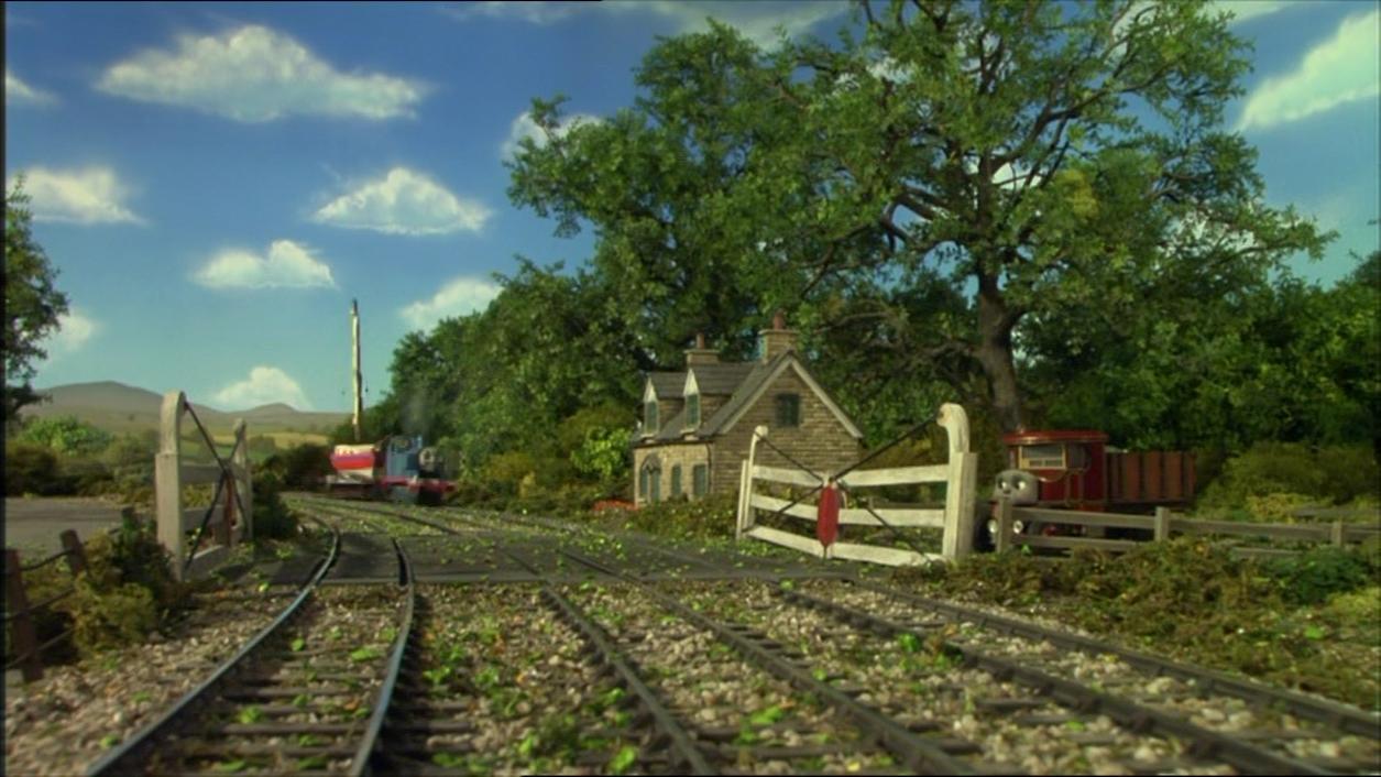 Трёхпутный железнодорожный переезд