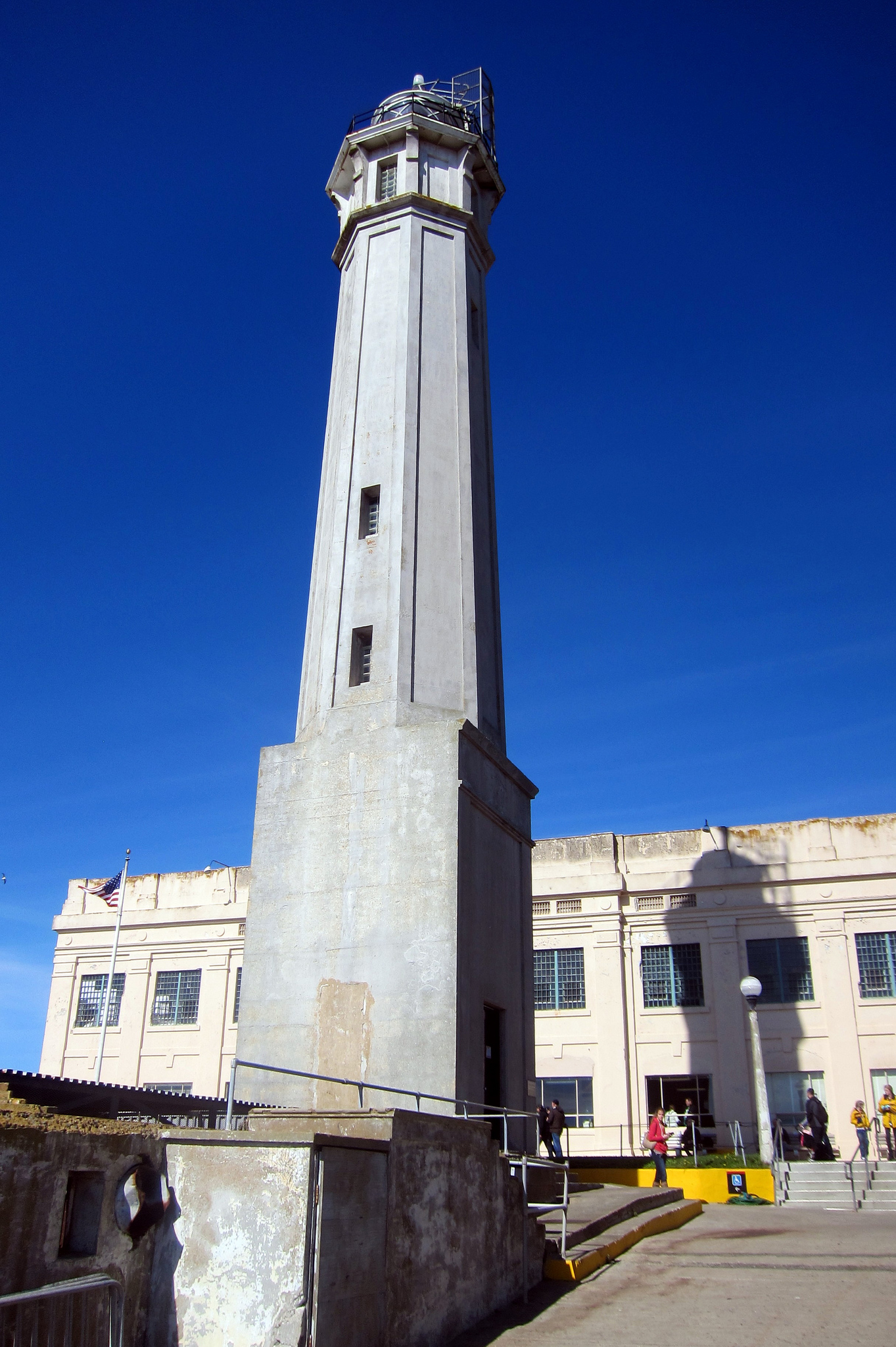 Alc lighthouse.jpg