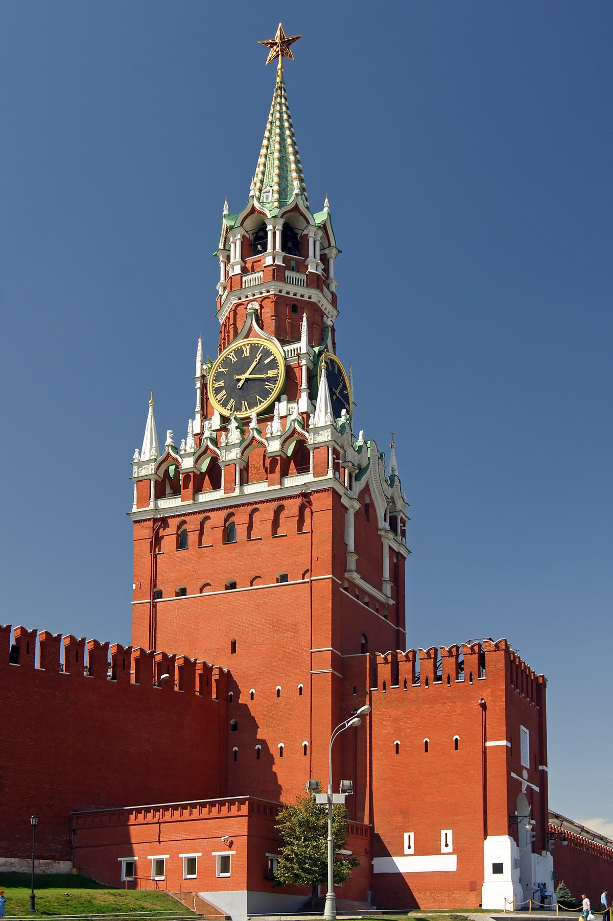 Real-moscow-spasskaya-tower.jpg