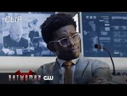 Batwoman - Season 2 Episode 3 - Luke, Ryan And Mary Watch Security Footage Of Victor Zsasz - The CW