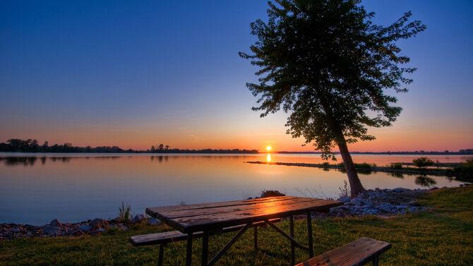 Lake 001.jpg
