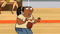 LeShawna gets hit by a dodgeball