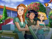 Totally Dunzo Sam, Alex, Clover
