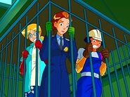 Totally.Spies.S02E07.Spies.cage-1