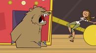 S03E19 Courtney i jej mąż niedźwiedź