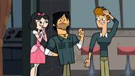 S05,2E01-(Chreis, Ella i Topher)