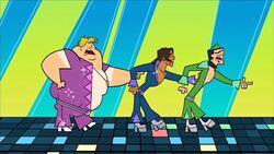 S03E17 Alejandro, Duncan i Owen w piosence.jpeg