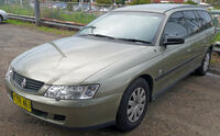 2002-2003 Holden VY Commodore Executive station wagon 02.jpg