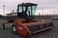 Hesston 8200 swather - 1990.jpg
