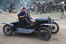 Model T runabout at Old warden - IMG 1139