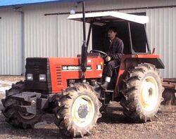 LG-New Holland 55-66 MFWD-2001.jpg