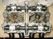 Suzuki-GS550-DOHC