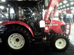 Branson 5220C MFWD - 2013.jpg