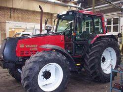 Valmet 8400 E MFWD (red) - 1994.jpg