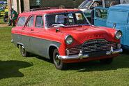 Ford Zodiac 206E Estate 1960 front