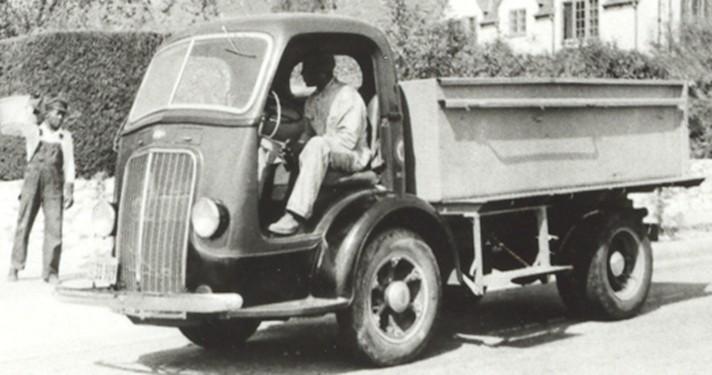 International DS-300 Truck